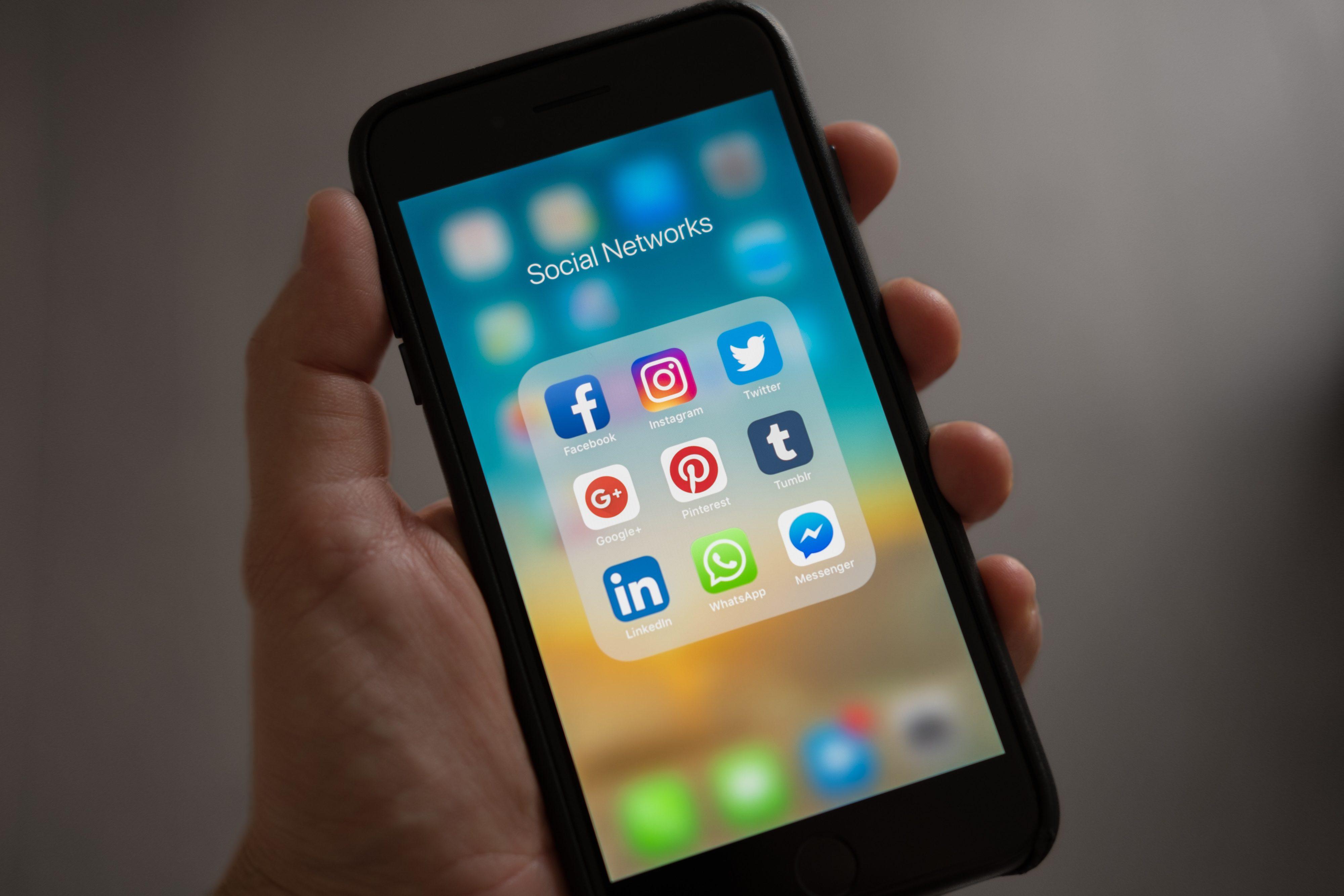 Facebook, twitter, instagram, pinterest, linkedin mobile